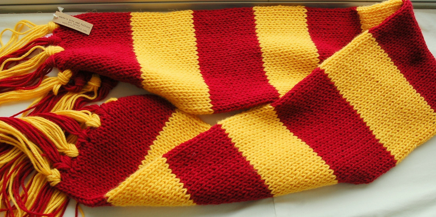 Knitting Pattern For Gryffindor Scarf : 3 Interesting Harry Potter Scarf Knitting Pattern - Sizzle ...